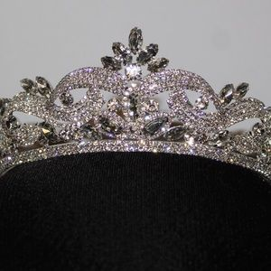 Accessories - Tiara Gold or Silver Twisted